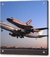Space Shuttle Discovery Departs Edwards Afb September 20 2009 Acrylic Print