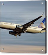 United Airlines Boeing 737-824 Acrylic Print