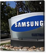 Trial Begins In Apple-Samsung Patent Battle Acrylic Print