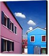 Burano 08 Canvas Print by Giorgio Darrigo