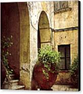 Courtyard In Capri Canvas Print