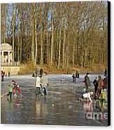 Frozen Lake Krefeld Germany. Canvas Print by David Davies