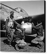 Wwii: Tuskegee Airmen, 1945 Canvas Print by Granger