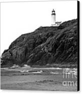Beach View Of North Head Lighthouse Canvas Print by Robert Bales