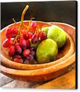 Bowl Of Red Grapes And Pears Canvas Print by Susan Savad