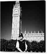 british metropolitan police office guarding the houses of parliament London England UK Canvas Print by Joe Fox