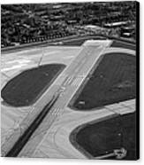 Chicago Airplanes 04 Black And White Canvas Print