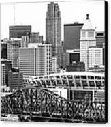 Cincinnati Skyline Black And White Picture Canvas Print by Paul Velgos