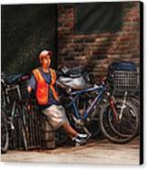 City - Ny - Waiting For The Next Delivery Canvas Print