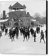 Detroit Michigan Skating At Belle Isle Canvas Print