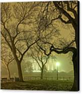 Foggy Approach To The Lincoln Memorial Canvas Print