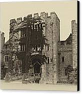 Hever Castle Yellow Plate Canvas Print by Chris Thaxter