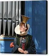 Maryland Renaissance Festival - A Fool Named O - 12128 Canvas Print by DC Photographer