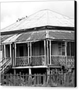 Old Queenslander Canvas Print by Lee Stickels