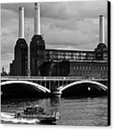Pink Floyd's Pig At Battersea Canvas Print by Dawn OConnor