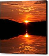 Red Sunset Canvas Print by Jose Lopez