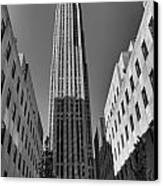 Ge Building In Black And White Canvas Print by Dan Sproul