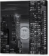 Super Moon Rises Over The Big Apple Bw Canvas Print by Susan Candelario