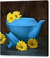 Tea Kettle With Daisies Still Life Canvas Print by Tom Mc Nemar