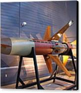 Udvar-hazy Center - Smithsonian National Air And Space Museum Annex - 121260 Canvas Print by DC Photographer