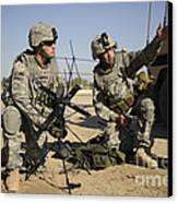 U.s. Army Soldiers Setting Canvas Print by Stocktrek Images
