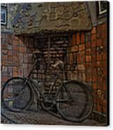 Vintage Bicycle Canvas Print by Susan Candelario