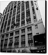Yellow Cabs Outside Macys Department Store 7th Avenue And 34th Street Entrance New York Canvas Print