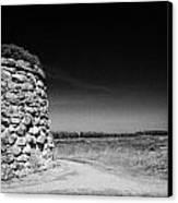 the memorial cairn on Culloden moor battlefield site highlands scotland Canvas Print by Joe Fox