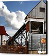 Alive And Well In America . The Old Industrial Sand Plant In Berkeley California . 7d13952 Canvas Print