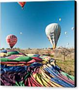 Ballons - 5 Canvas Print by Okan YILMAZ