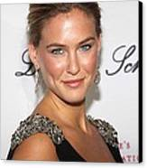 Bar Refaeli At Arrivals For The 2009 Canvas Print by Everett