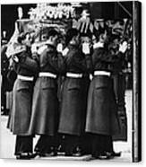 British Royalty. Funeral Of British Canvas Print by Everett