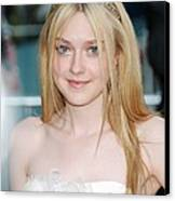 Dakota Fanning At Arrivals For The 2010 Canvas Print by Everett