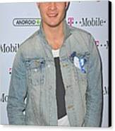 Ed Westwick At Arrivals For T-mobile Canvas Print by Everett