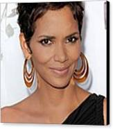 Halle Berry At Arrivals For 2011 Annual Canvas Print by Everett