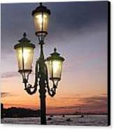 Lampost Sunset In Venice Canvas Print by Catie Canetti