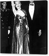 Marilyn Monroe Waves To The Crowd Canvas Print by Everett