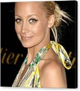 Nicole Richie Wearing A Dries Van Noten Canvas Print by Everett