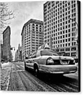 Nyc Cab And Flat Iron Building Black And White Canvas Print