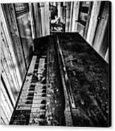 Old Piano Organ Canvas Print by John Farnan
