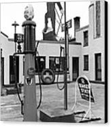 Paul Bunyan Atop Gas Station, Bemidji Canvas Print by Everett