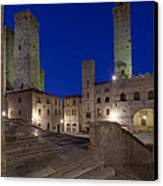 Piazza Duomo At Dusk Canvas Print by Rob Tilley