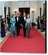 President And Nancy Reagan Walking Canvas Print