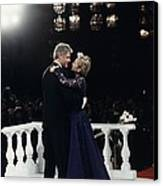 President Bill Clinton And Hillary Canvas Print by Everett