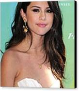 Selena Gomez At Arrivals For 2011 Teen Canvas Print by Everett