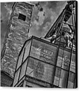 Through The Mill Bw Canvas Print by Ken Williams