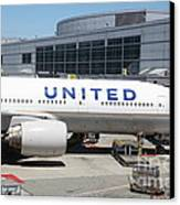 United Airlines Jet Airplane At San Francisco Sfo International Airport - 5d17109 Canvas Print