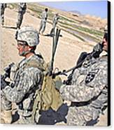 U.s. Army Soldiers Call In An Update Canvas Print