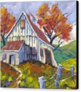 Hillsidebarn Canvas Print