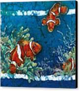 Clowning Around - Clownfish Canvas Print